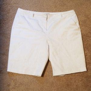 Dana Buchanon fully lined Bermuda shorts,washable!